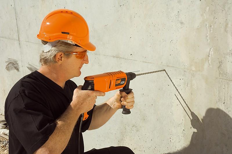 сверление отверстий в бетоне перфоратором